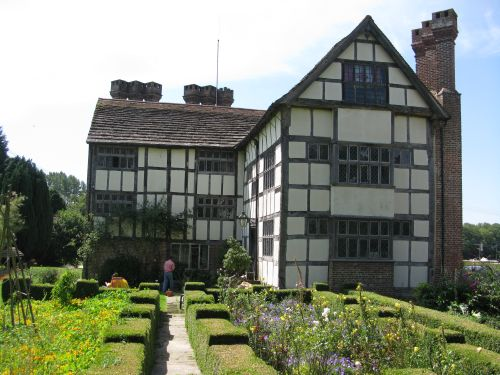 Wapsbourne Manor house
